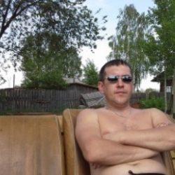 Парень из Москвы. Встречусь с девушкой для приятной встречи. Спортсмен, и обожаю делать куни