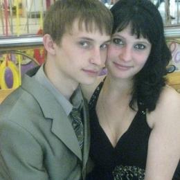 Молодая, очень симпатичная, замужняя дама и ее муж ищут подругу